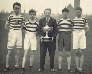 Stan Lubbock (center) with the Sefton Harriers youth team of 1928