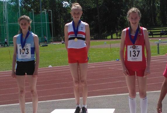 Under 15 Girls medal winners Hull 2012
