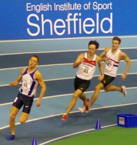 Adam Thompson in 3rd chases winner Luke Edwards in 400m