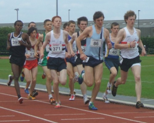 David Forrester leads Northern Athletics 1500m final with Toby Loveridge tucked in behind