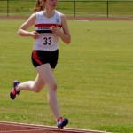 Flossie Dickinson in action in the 800m